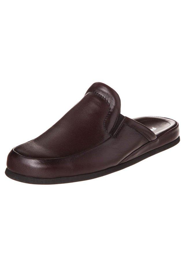 Slippers - weinrot