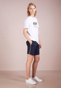 Ron Dorff - EYELET EDITION - Shorts - navy - 1