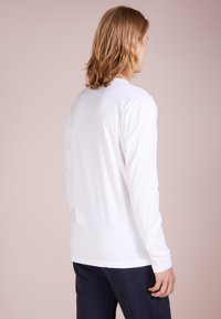 Ron Dorff - EYELET EDITION LONG SLEEVED  - Langærmede T-shirts - offwhite - 2