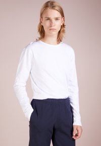 Ron Dorff - EYELET EDITION LONG SLEEVED  - Langærmede T-shirts - offwhite - 0