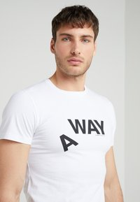 Ron Dorff - A WAY  - T-shirt med print - white - 3