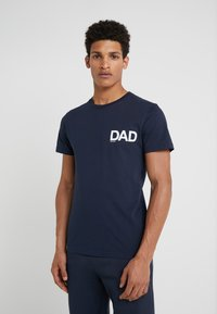 Ron Dorff - DAD SMALL - T-shirt med print - navy - 0