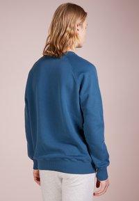 Ron Dorff - TEAM MATE RAISED EMBROIDERY - Sweatshirt - baltic blue - 2