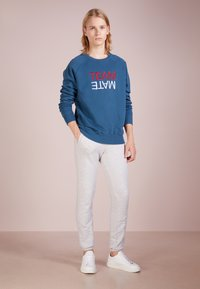 Ron Dorff - TEAM MATE RAISED EMBROIDERY - Sweatshirt - baltic blue - 1