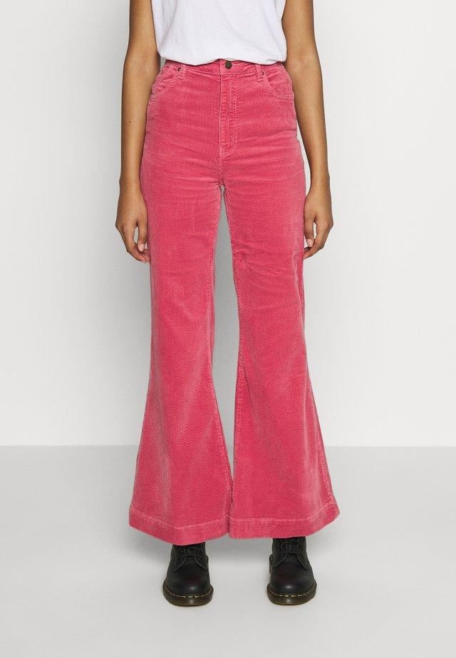 EASTCOAST FLARE - Trousers - rose
