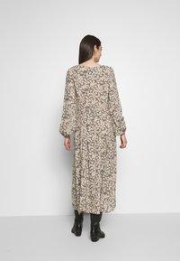 Rolla's - RUBY LITTLE DAISIES DRESS - Skjortklänning - olive - 2