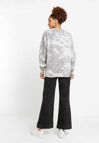 Rolla's - OLD MATE - Flared jeans - black denim - 2