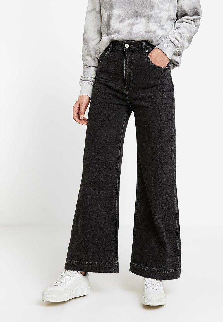 Rolla's - OLD MATE - Flared jeans - black denim