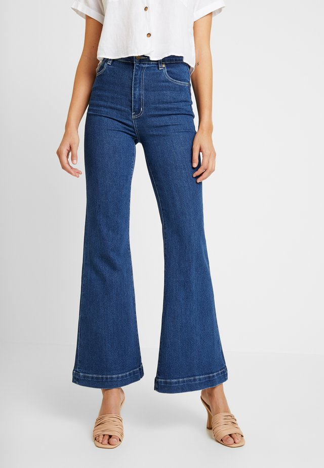 EASTCOAST FLARE - Flared Jeans - debbie blue