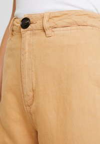 Rolla's - OLD MATE PANT - Straight leg jeans - gold - 4