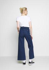 Rolla's - SAILOR  - Flared Jeans - eco april blue - 2