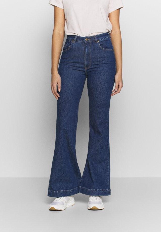 EASTCOAST  - Flared Jeans - jeanne blue organic
