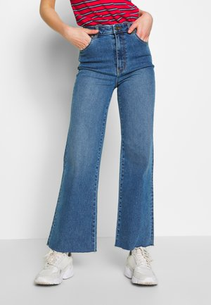EASTCOAST CROP  - Flared Jeans - tracey blue