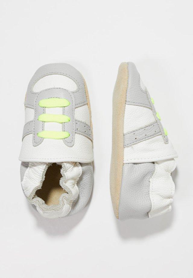 RUNNER - Babyskor - white