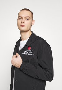 Royal Denim Division by Jack & Jones - COACH JACKET - Korte jassen - black - 3
