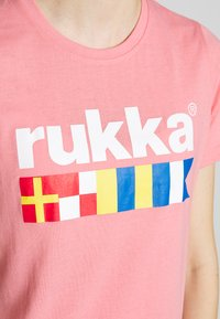 Rukka - RUKKA VATKIVI - T-Shirt print - light pink - 4