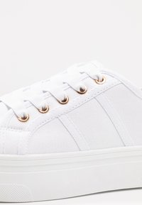 Rubi Shoes by Cotton On - WILLOW PLATFORM - Sneakersy niskie - bright white - 2
