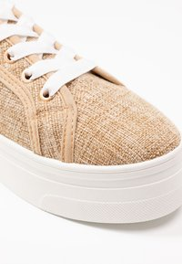 Rubi Shoes by Cotton On - WILLOW PLATFORM - Sneakers basse - natural - 2