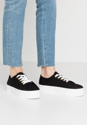 WILLOW PLATFORM - Trainers - black