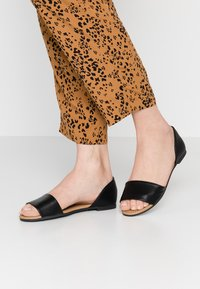 Rubi Shoes by Cotton On - DIXIE PEEP - Sandály - black - 0