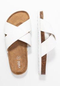 Rubi Shoes by Cotton On - REX OVER SLIDE - Domácí obuv - white - 3