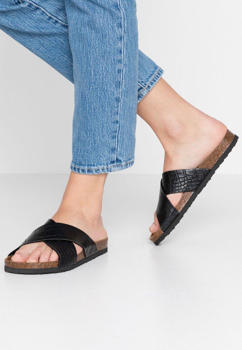 Rubi Shoes by Cotton On - REX OVER SLIDE - Hjemmesko - black