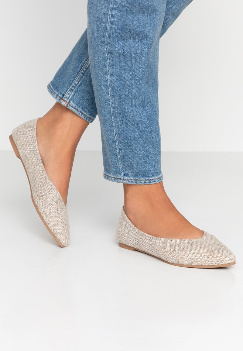Rubi Shoes by Cotton On - VALERIE TOPLINE POINT - Baleríny - taupe