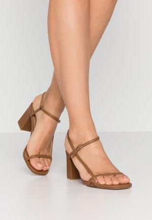HANNAH THIN STRAP HEEL - Sandaler - tan