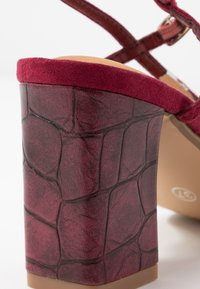 Rubi Shoes by Cotton On - HANNAH THIN STRAP HEEL - Sandály - cabernet - 2