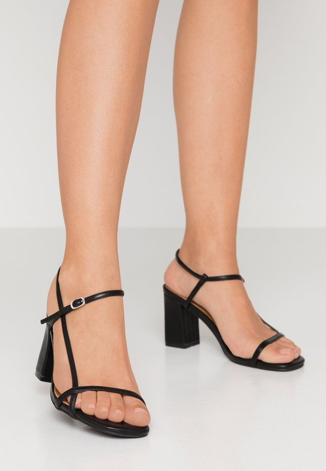 HANNAH THIN STRAP HEEL - Sandały - black smooth