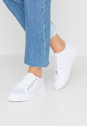 CHELSEA CREEPER PLIMSOLL - Baskets basses - white