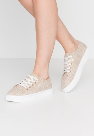 CHELSEA CREEPER PLIMSOLL - Baskets basses - stone