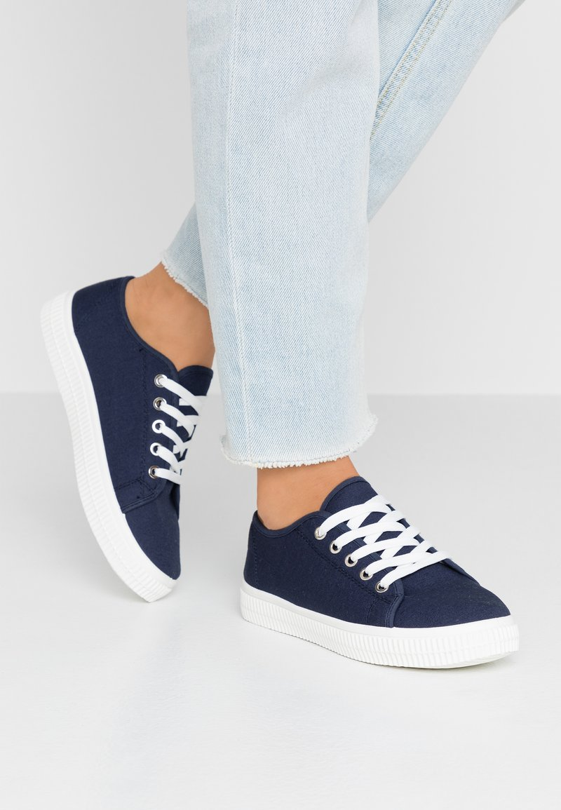 Rubi Shoes by Cotton On - CHELSEA CREEPER PLIMSOLL - Sneakers - navy