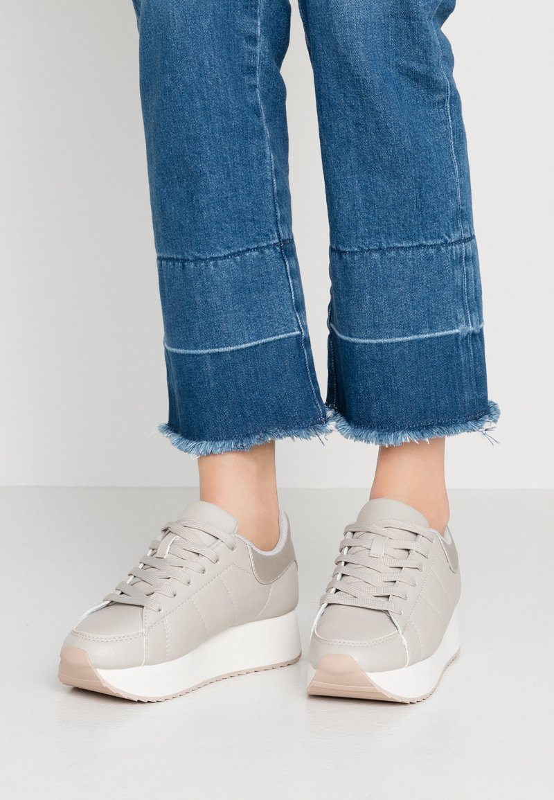 Rubi Shoes by Cotton On - SARA SLEEK PLATFORM - Trainers - grey/silver/multicolor