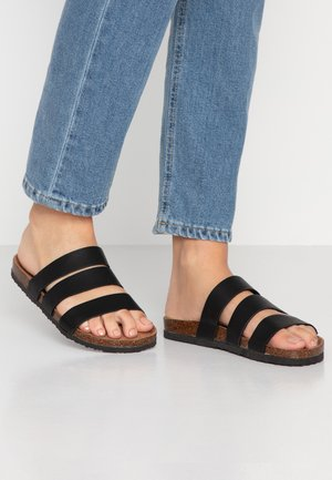 REX TRIPLE STRAP SLIDE - Domácí obuv - black