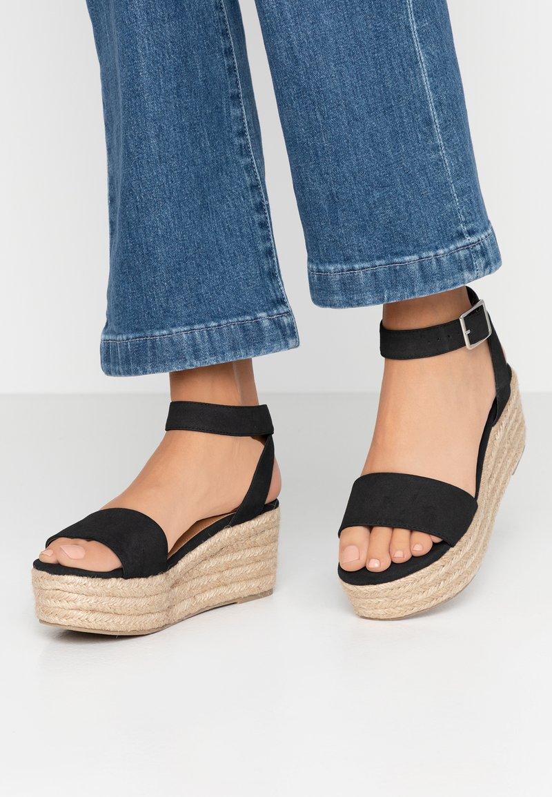 Rubi Shoes by Cotton On - CAITLIN WEDGE HEEL - Korkeakorkoiset sandaalit - black