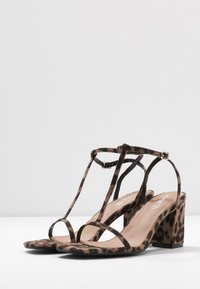 Rubi Shoes by Cotton On - MILA DOUBLE STRAP HEEL - Sandalias - brown - 4