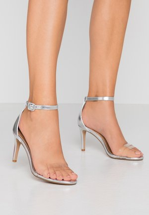 SHARI DOUBLE STRAP STILLETO - Sandały na obcasie - silver/clear