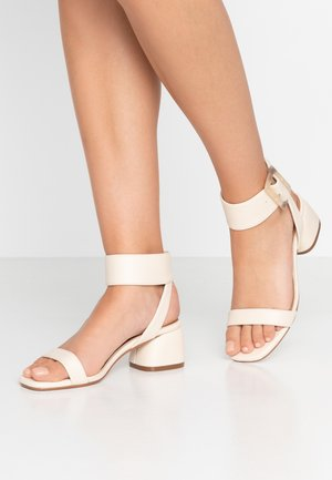 BELLE BUCKLE - Sandals - oat