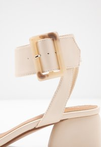 Rubi Shoes by Cotton On - BELLE BUCKLE - Sandály - oat - 2