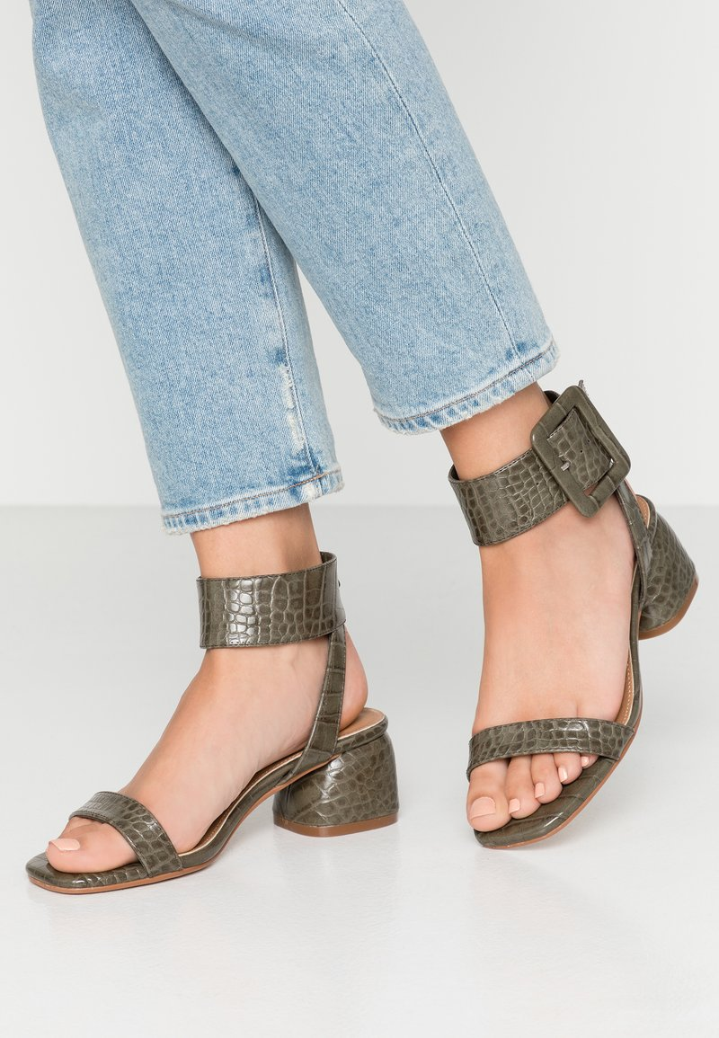Rubi Shoes by Cotton On - BELLE BUCKLE - Sandaler - green emboss