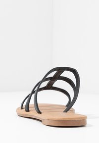 Rubi Shoes by Cotton On - EVERYDAY CAGED SLIDE - Matalakantaiset pistokkaat - black - 5