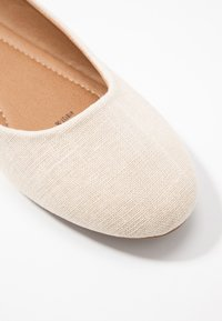 Rubi Shoes by Cotton On - BRITT BALLET - Ballerina - oat - 2