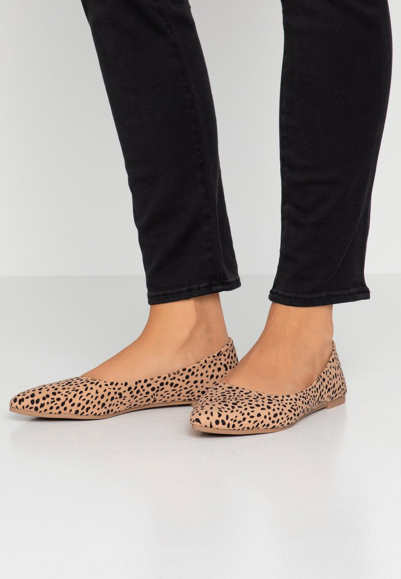 Rubi Shoes by Cotton On - PRIMO POINT - Baleriny - brown