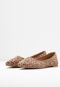 Rubi Shoes by Cotton On - PRIMO POINT - Baleriny - brown - 4