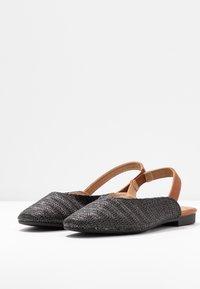Rubi Shoes by Cotton On - OLIVIA SQUARE TOE SLINGBACK - Baleríny s otevřenou patou - black/tan - 4