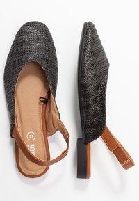 Rubi Shoes by Cotton On - OLIVIA SQUARE TOE SLINGBACK - Baleríny s otevřenou patou - black/tan - 3