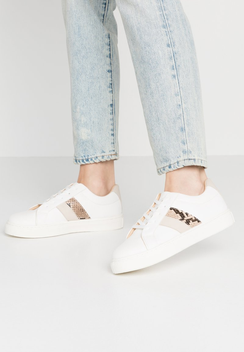 Rubi Shoes by Cotton On - LIANA RISE  - Sneakersy niskie - white/multicolor