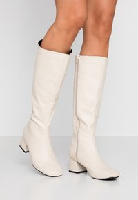 Rubi Shoes by Cotton On - CAMILLA SQUARE TOE KNEE HIGH BOOT - Saappaat - stone smooth - 0
