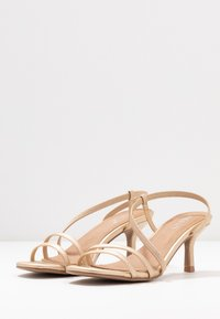 Rubi Shoes by Cotton On - LARA STRAPPY STILETTO - Riemensandalette - gold - 4